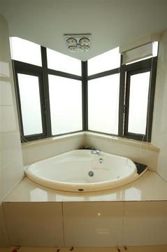 master-bathroom-a.JPG